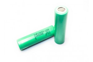 Samsung INR18650-25R5 3.6V 2500mAh Rechargeable Li-Ion Batteries 2 Pack